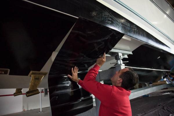 ll-yachting-antifouling-folie-verklebeseminar-08