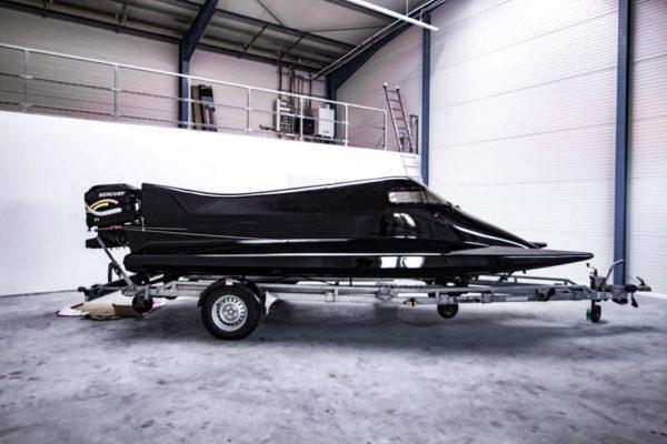 01-ll-yachting-news-speedboat