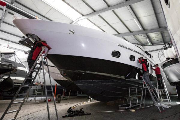 02-ll-yachting-ladenstein68-vollfolierung