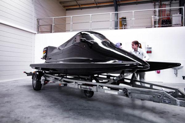 02-ll-yachting-news-speedboat