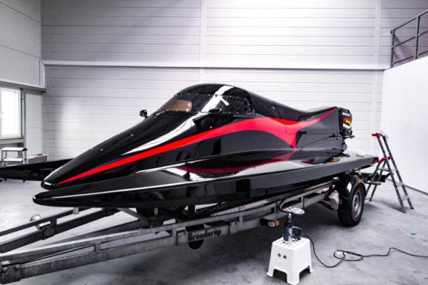06-ll-yachting-news-speedboat