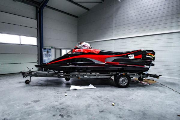 07-ll-yachting-news-speedboat