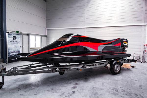 11-ll-yachting-news-speedboat
