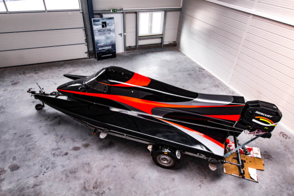 14-ll-yachting-news-speedboat