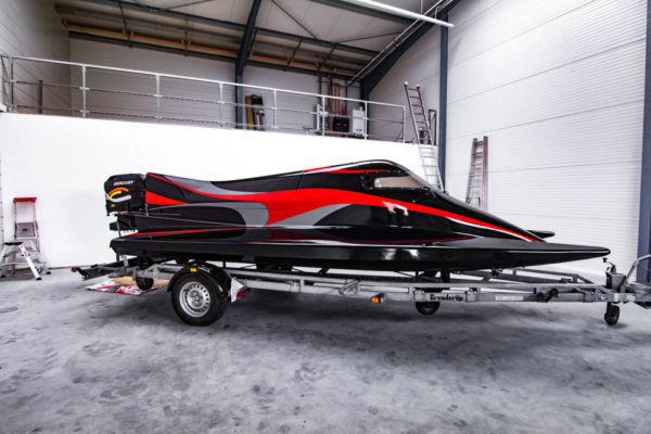 15-ll-yachting-news-speedboat