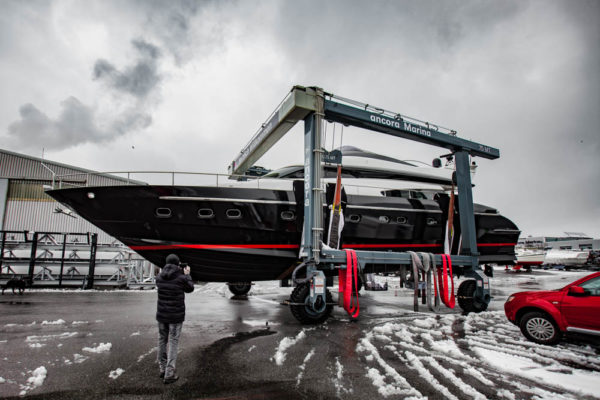 48-ll-yachting-ladenstein68-vollfolierung