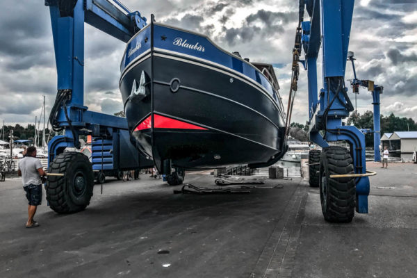 ll-yachting-news-antifouling-blaubear09